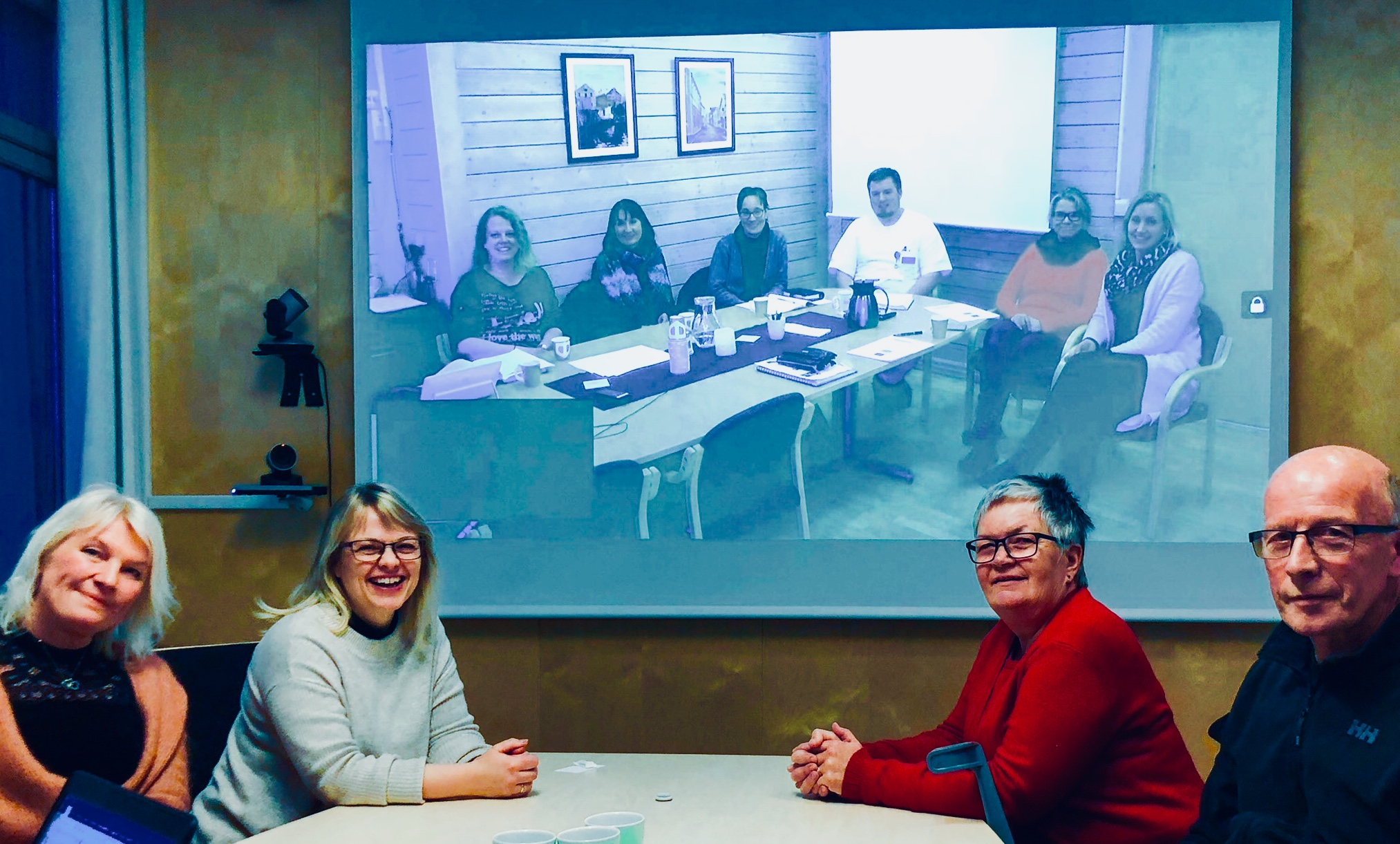 Bilde av evalueringsmøte i videoformat.