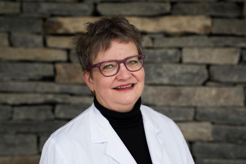 Lisbeth Rustad, lege og klinikkdirektør