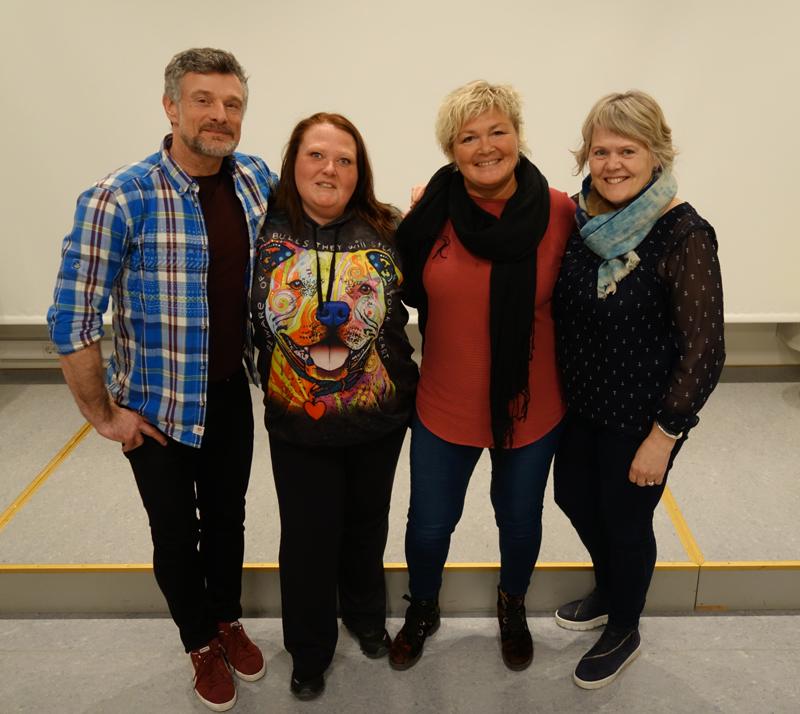 Medlemmer fra styringsgruppen (f.v.): Ken Etwin Alsaker, Lene Amina Tufte og Anne Turid Nygaard (leder) sammen med Hilde Blindheim Børve fra NK LMH. Foto: Patrick Karlsen