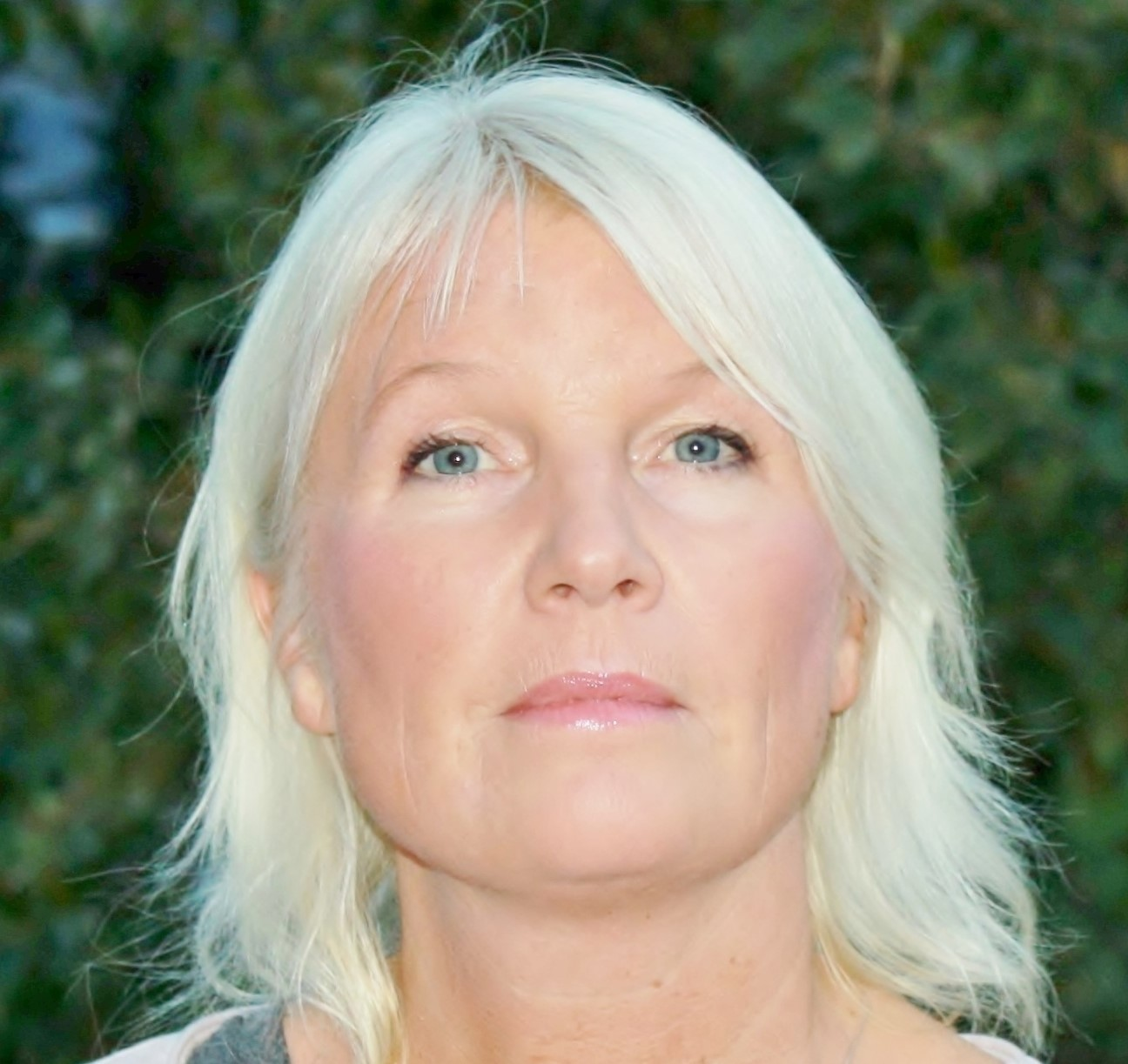 Astri Gullesen, portrett